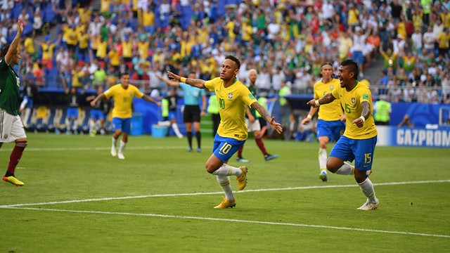 Brasil resolve no segundo tempo, vence o México e carimba vaga para as quartas-de-final