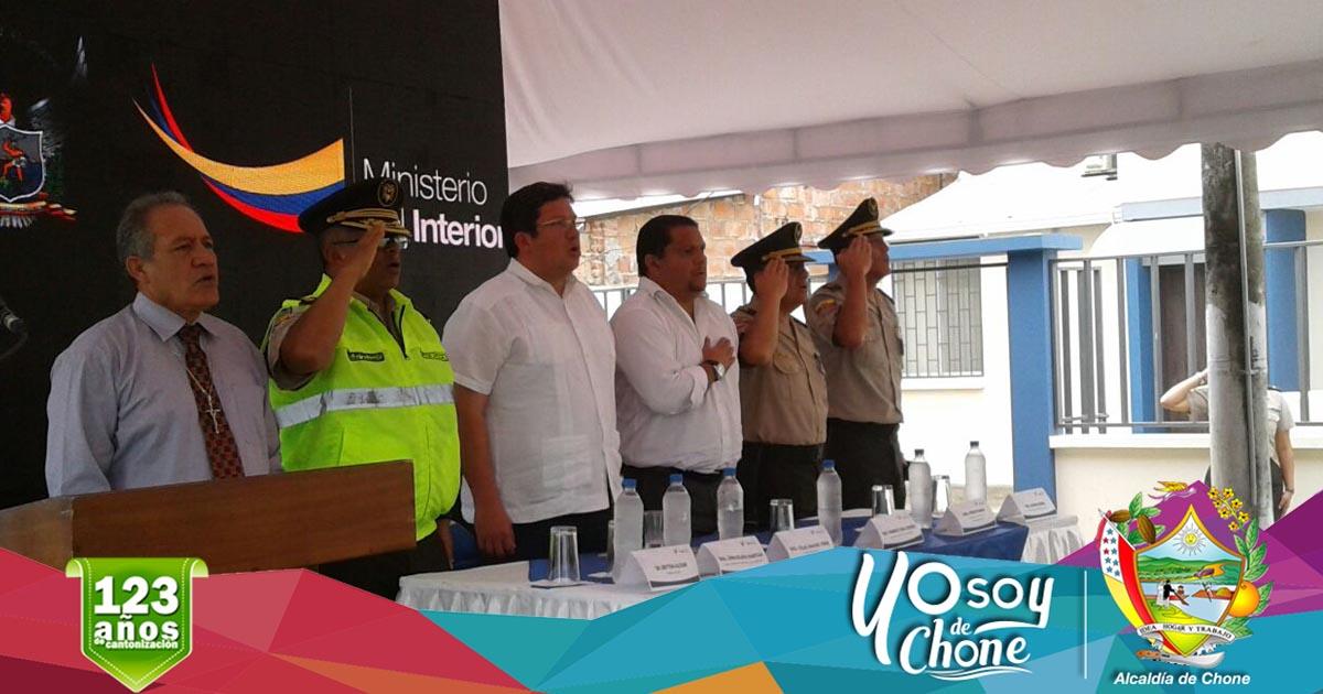 Alcalde participó junto a Ministro del Interior en entrega de patrulleros y vivienda fiscal.