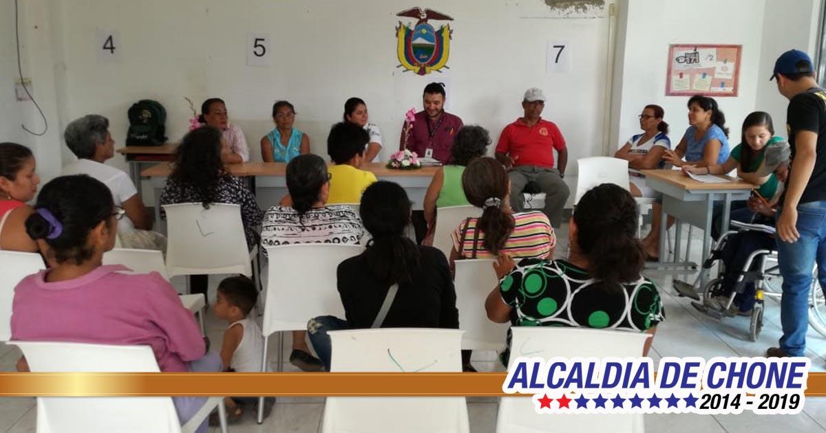 En el Infocentro de la parroquia Canuto se inauguró taller de trabajos en reciclaje