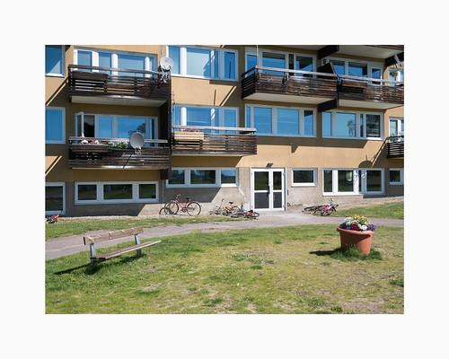 norrbottenslän sweden lappland lapland sverige svappavaara g80 panasonic20mmf17 ormenlånge blockofflats apartmentbuilding architecture ralpherskine