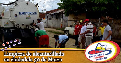 Limpieza de alcantarillado en ciudadela 30 de Marzo
