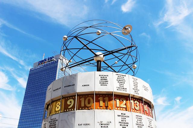 alexanderplatz Berlin horloge universelle