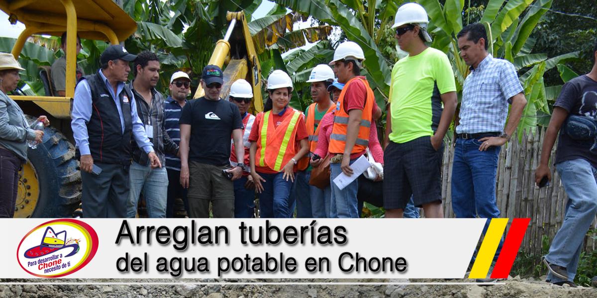 Arreglan tuberías del agua potable en Chone