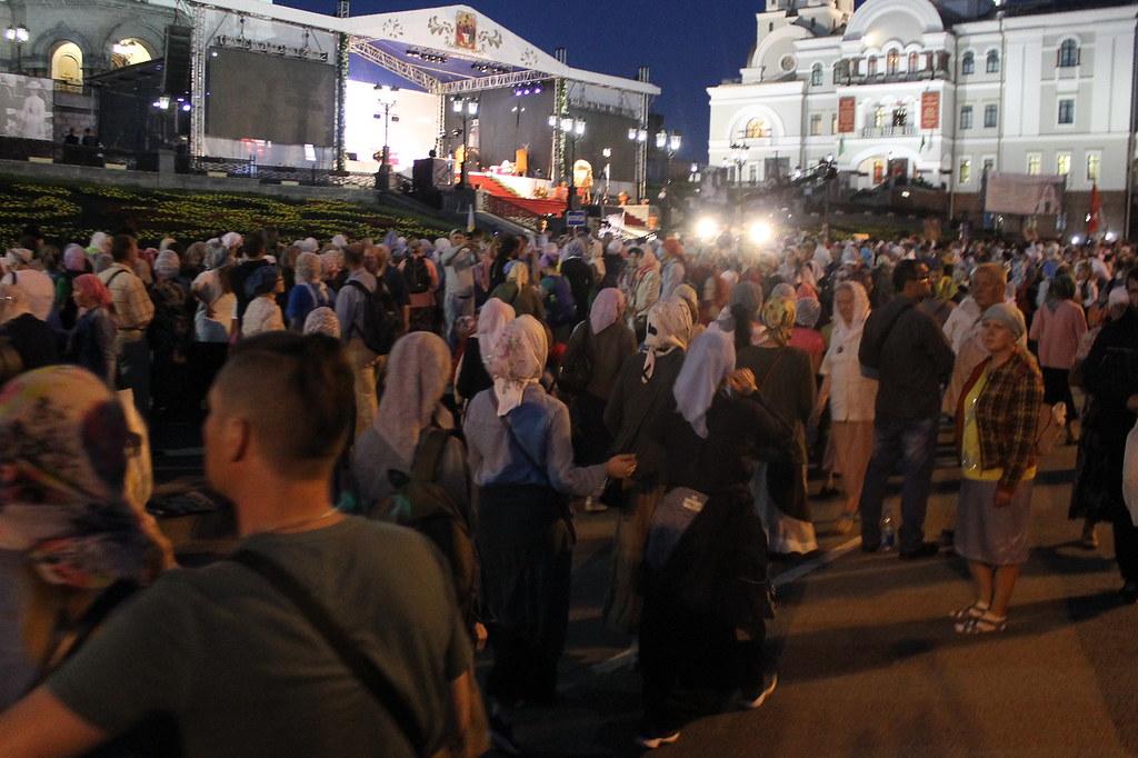 Проклятие России закончилось! людей, автобус, довольно, икону, никаких, когда, Потом, найти, только, минут, потом, больше, Сначала, слова, патриарх, России, нужно, паломников, знает, сказал