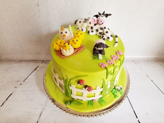 Farm Animal Cake by Neeta Mundra of BakeA'Bite