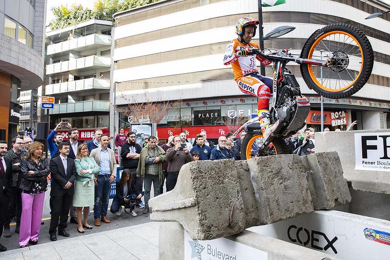 Inauguració de la placa Toni Bou al Bulevard de les Estrelles
