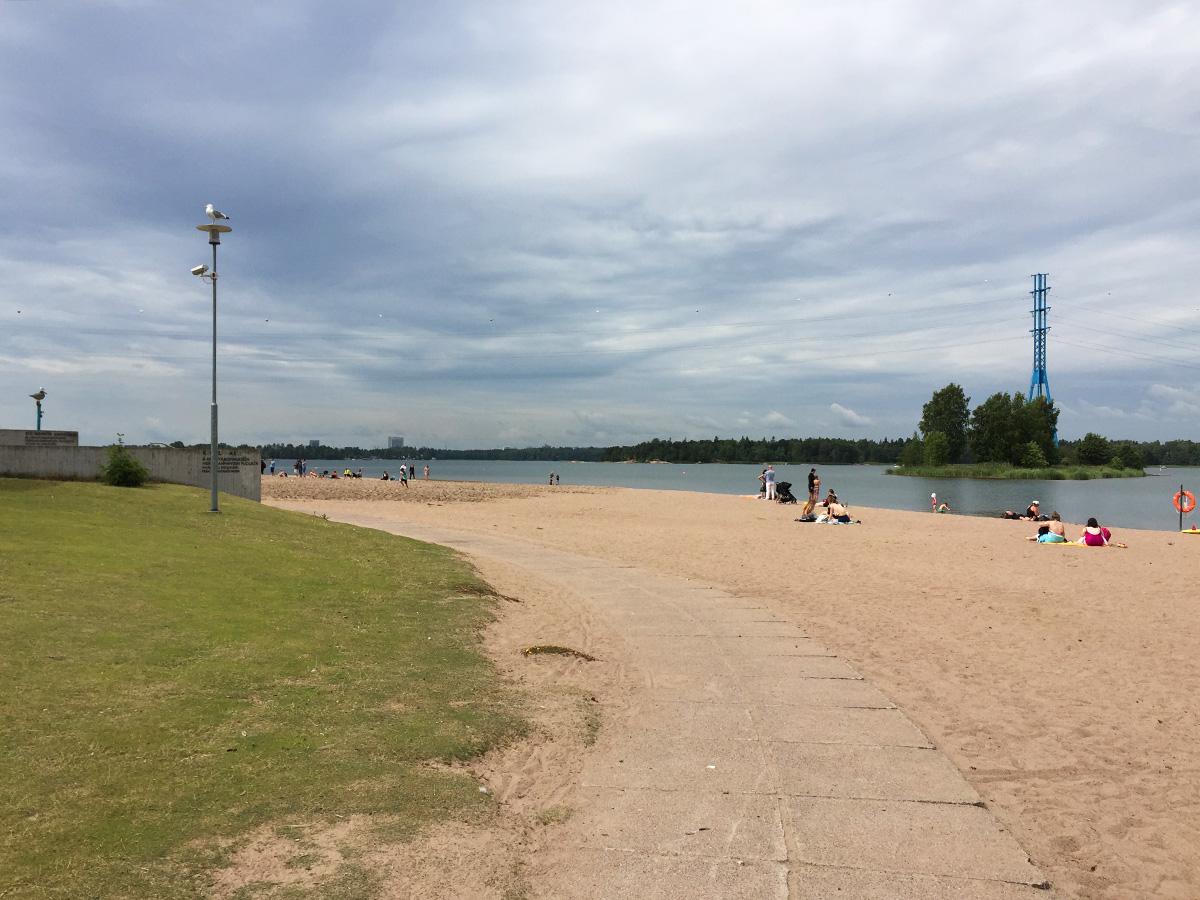 Kesä Helsingissä Hietaniemen uimaranta