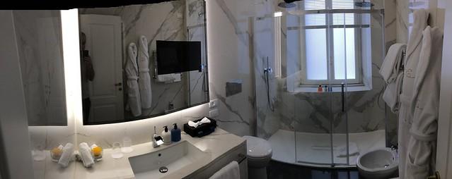 Initiale room - Elizabeth Unique Hotel
