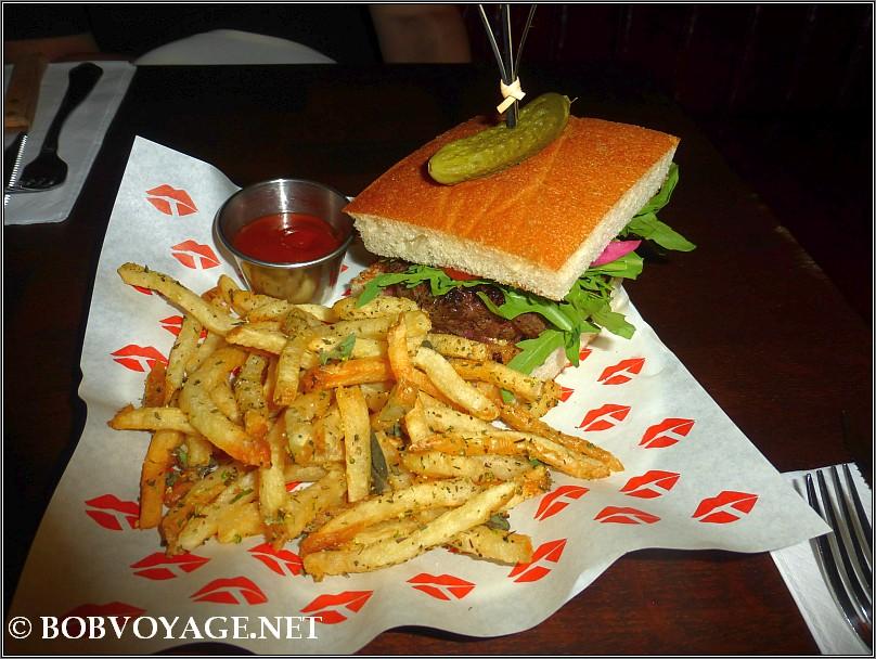 Le Burger ב- הוטל דה ויל - hotel de ville