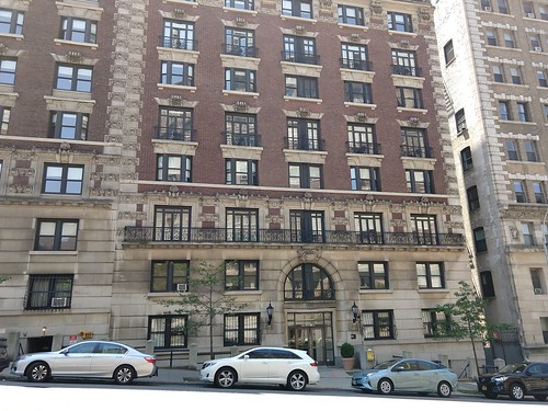 620 West 116th Street Residence Hall