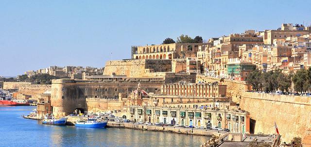 Valletta and part of, Nikon D7100, AF-S DX VR Zoom-Nikkor 18-200mm f/3.5-5.6G IF-ED [II]