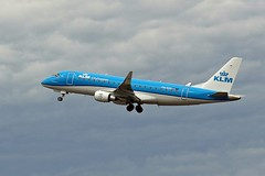 ph-exu klm cityhopper erj-175 newcastle