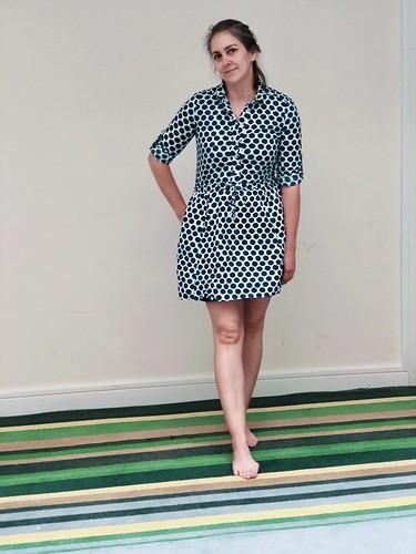 Lengthening a dress to reach my knees. Evinok.com