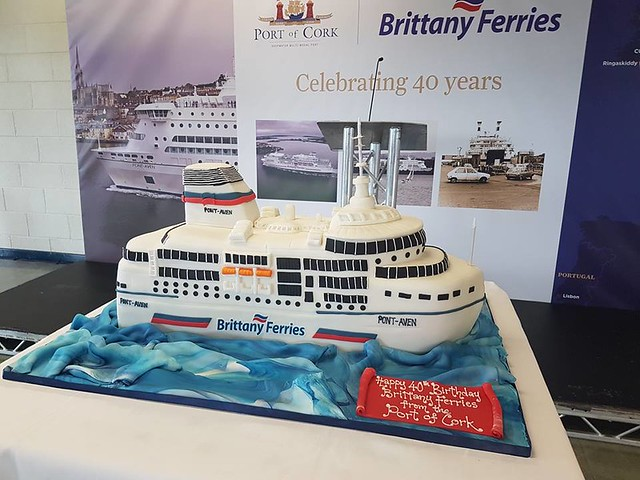 Ship Cake by CakesByRuth
