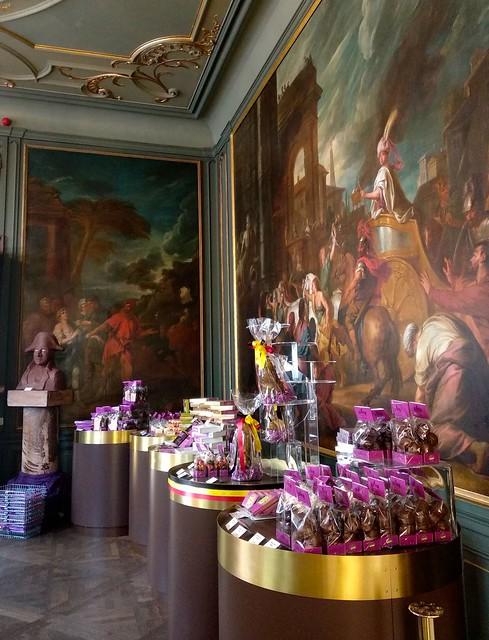 detalle tienda  - 43402362571 935b558441 z - The Chocolate Line: un paraíso para los amantes del chocolate.