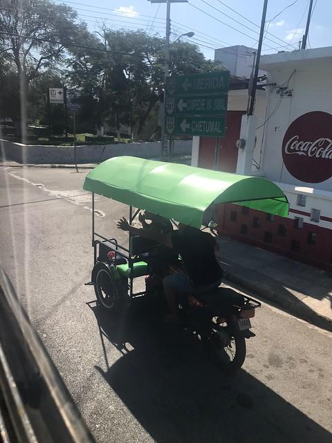 月, 2018-03-05 00:40 - バイクタクシーに道を教わる