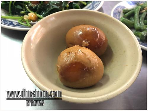 蚵仔仁肉臊飯