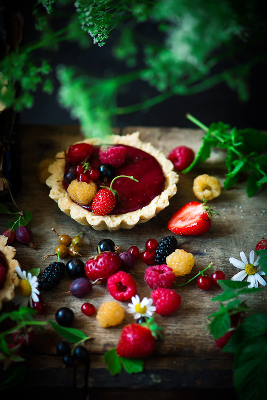 MIXED BERRY CURD TARTELETTES.style rustic