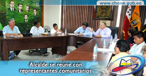 Alcalde se reúne con representantes comunitarios
