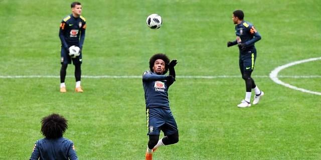 Willian Meminta Rumor Dirinya Ke Barcelona,Fokus Di Piala Dunia 2018