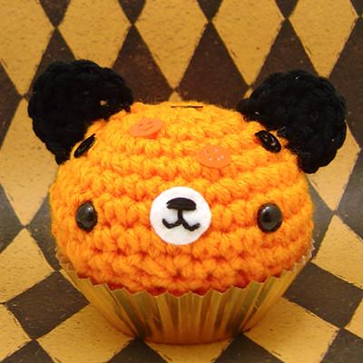 Amigurumi Halloween cupcake bear with pumpkin sprinkles ...