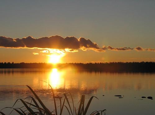 blue autumn sunset sky sun lake reflection water yellow clouds suomi finland evening oulu vesi ilta syksy pilvet järvi auringonlasku aurinko sininen heijastus taivas keltainen kuivasjärvi outstandingshots abigfave