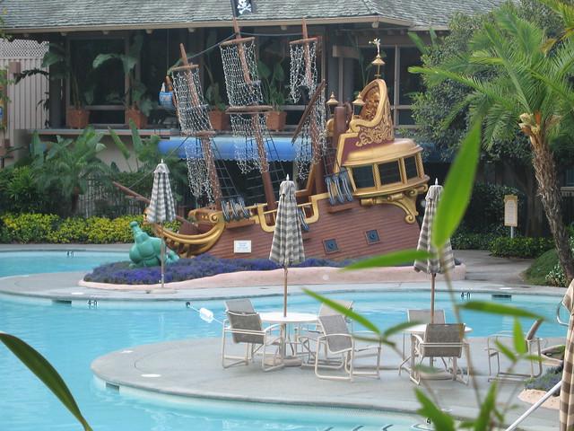 Disneyland Hotel Neverland Pool 2 02 Jun 06 Flickr Photo Sharing