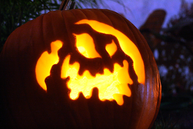 Oogie Boogie Pumpkin Template http://www.flickr.com/photos/dustinbing/279974814/