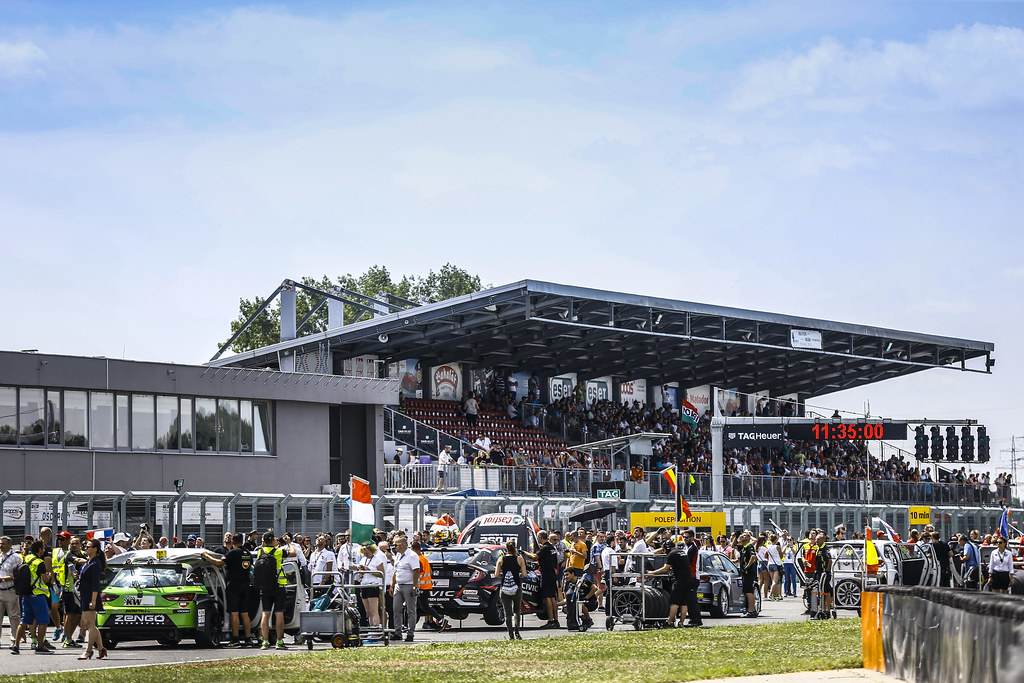 GRID ATMOSPHERE during the 2018 FIA WTCR World Touring Car cup race of Slovakia at Slovakia Ring, from july 13 to 15 - Photo Jean Michel Le Meur / DPPI