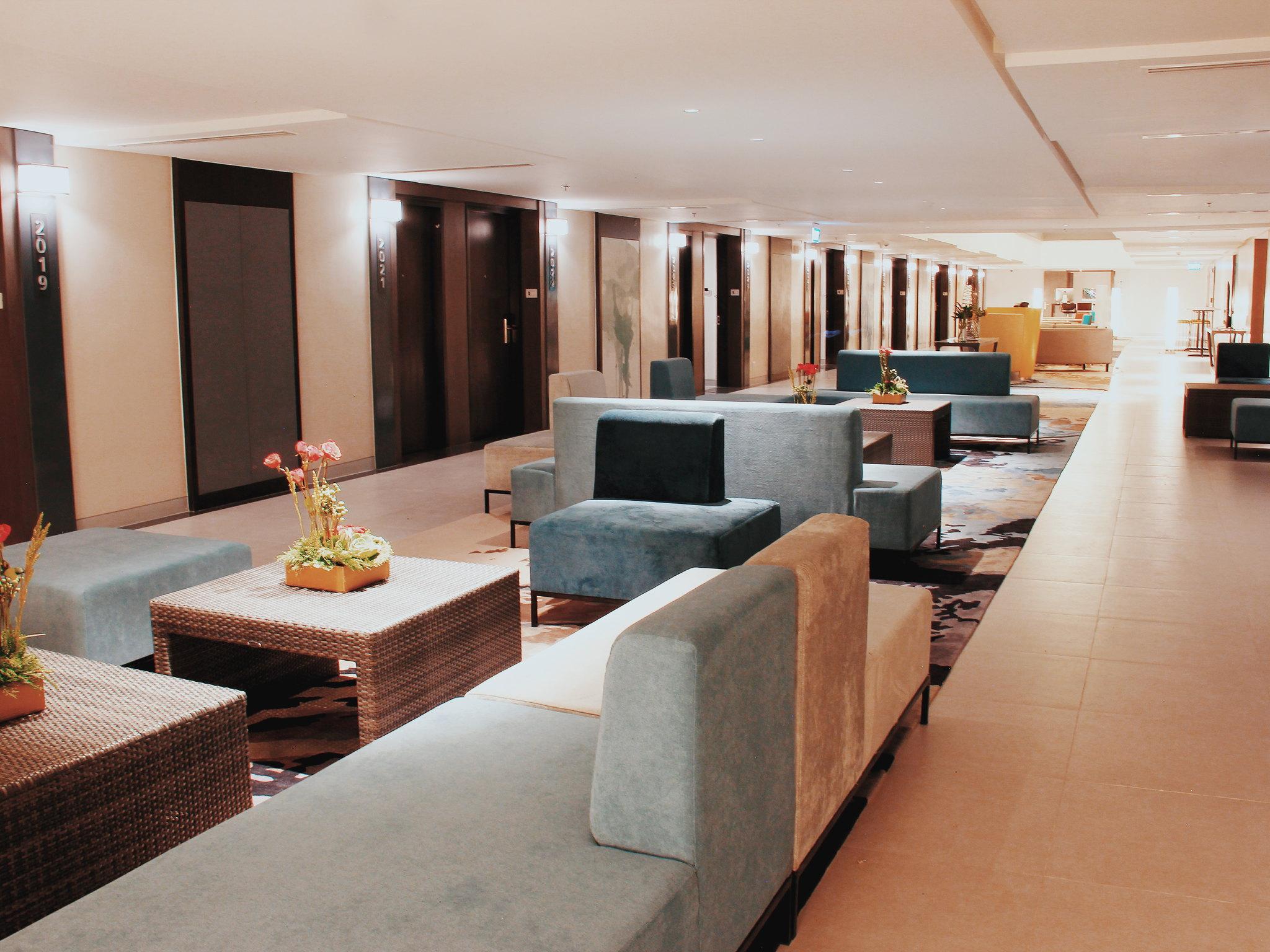 Savoy Hotel Manila Squares