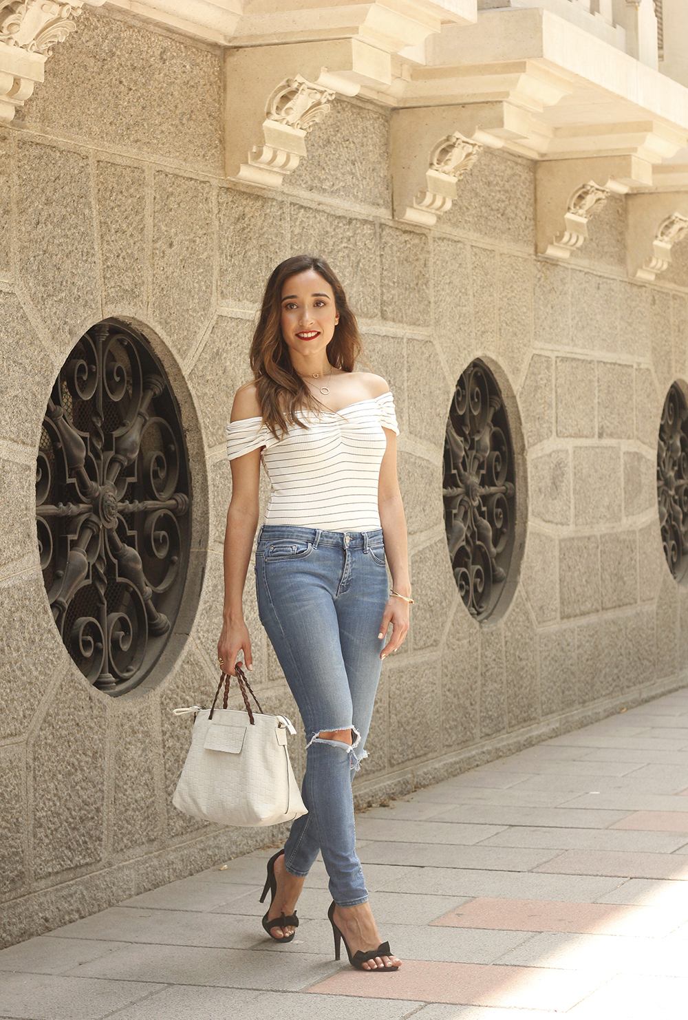 striped body ripped jeans casual outfit black sandals street style summer 201806