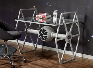 經典戰鬥機化身最酷傢俱!! Rooms To Go 星際大戰【鈦戰機書桌】TIE Fighter Gray Desk