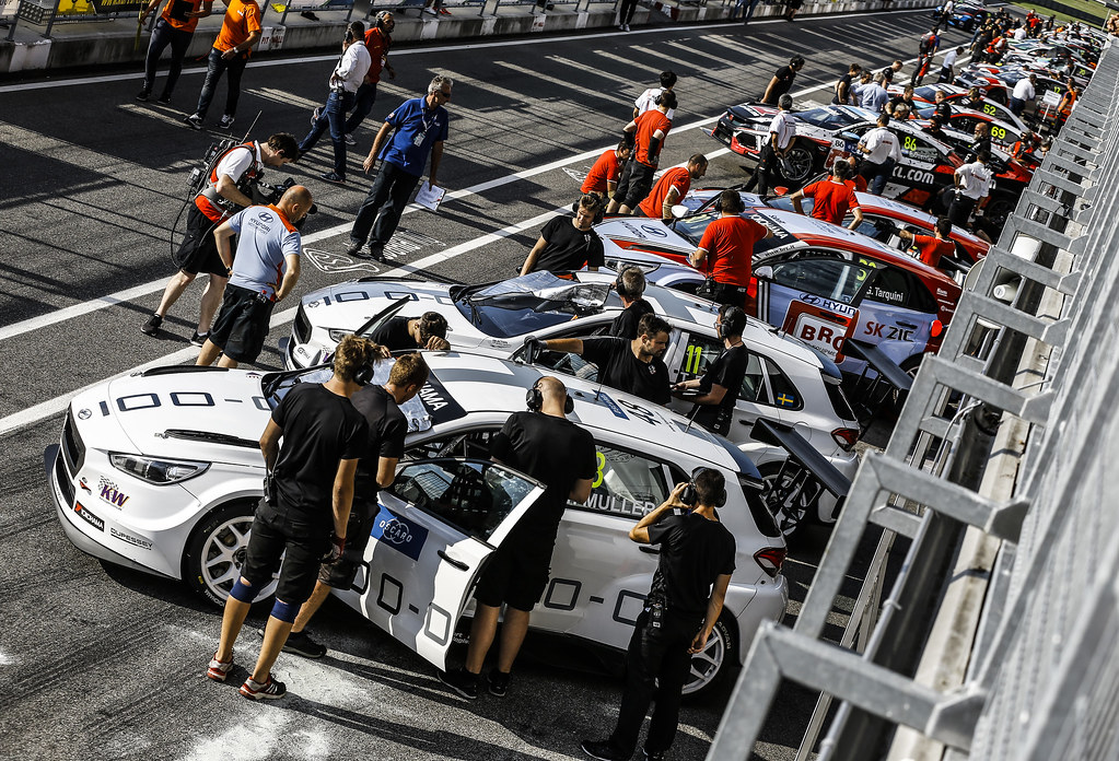 PIT-LANE ATMOSPHERE during the 2018 FIA WTCR World Touring Car cup race of Slovakia at Slovakia Ring, from july 13 to 15 - Photo Jean Michel Le Meur / DPPI