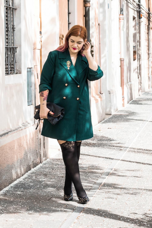 Outfit autoreggenti curvy plus size e abito-soprabito (2)