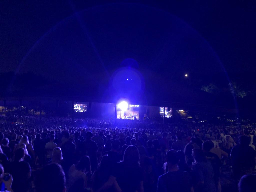 Weezer  7 11 18