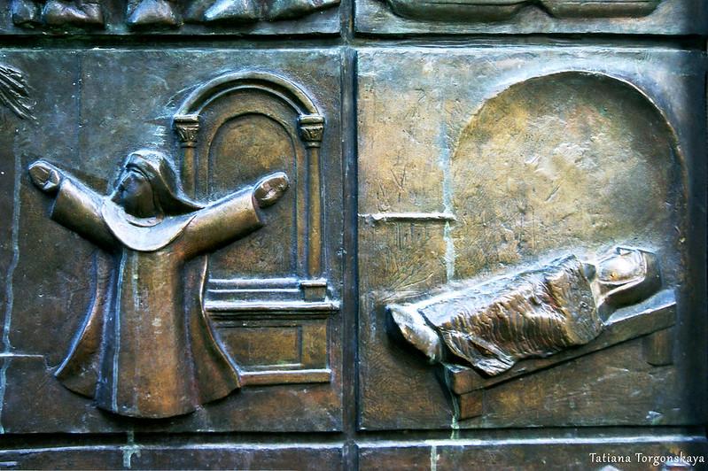 Фрагмент центральных дверей церкви Св. Марии Речной