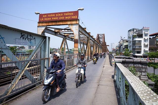 Die Long Bien Brücke in Hanoi