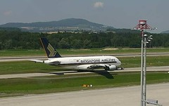 Singapore Airlines Airbus A380 9V-SKJ Zurich Airport webcam capture