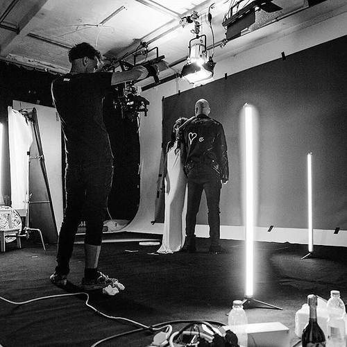 #behindthescenes filming #partnazincrime with @mateo_berlin & @tanyamayernst light @danteguerilla bts photos @leonhahn #comingsoon #iamjohannes
