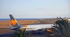 Thomas Cook Boeing 757 G-JMAB Lanzarote Arrecife Airport webcam captur