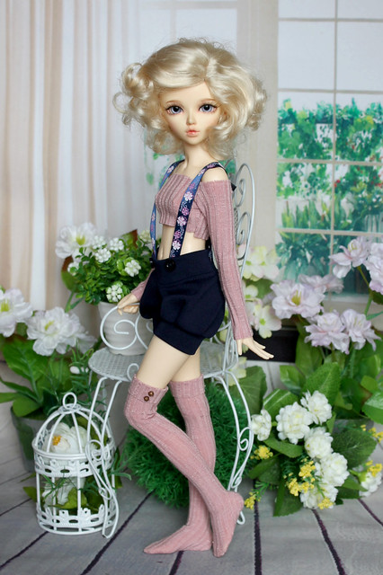 Bloomers with flower straps