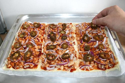 16 - Zwiebel & Jalapeños addieren / Add onion & jalapeños