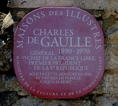Photo of Charles De Gaulle red plaque