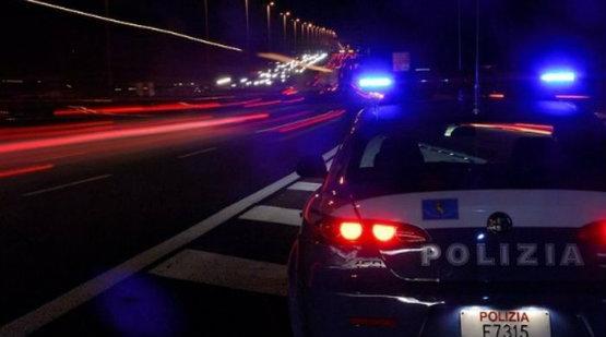 polizia_notte_auto_555