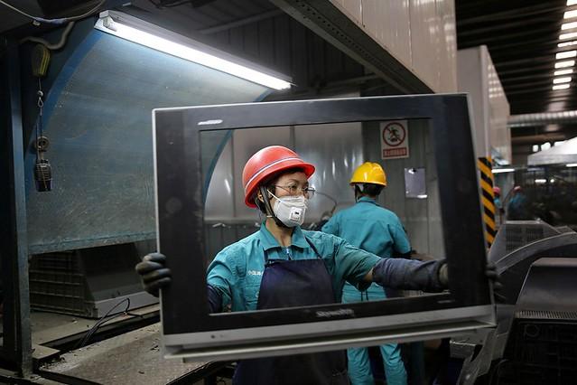 以市場換技術、以資金買技術、以挖人才造技術等方式讓中國取得了一些技術進步,但今後這些途徑恐怕都難以行得通了。