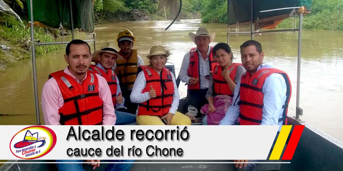 Alcalde recorrió cauce del río Chone