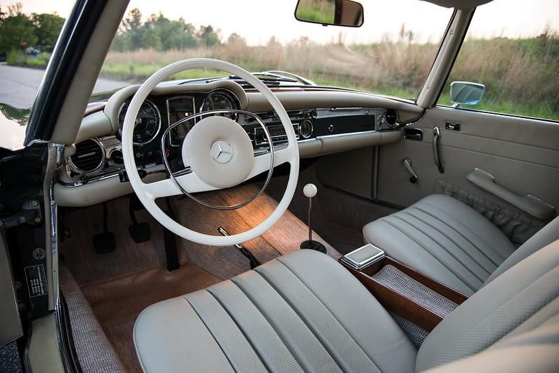 1966 MERCEDES-BENZ 250 SL