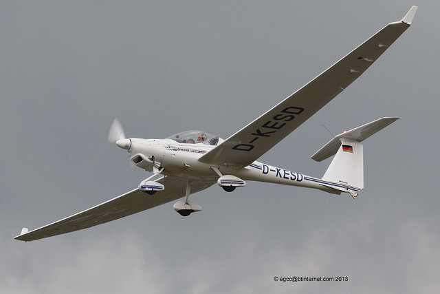 D-KESD - 1997 build Diamond HK36TTC 115 Super Dimona, departing from Tannheim during Tannkosh 2013