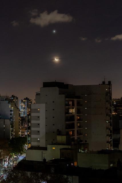 Conjunción Luna Venus del 2018-07-15.jpg