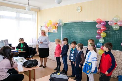 """Акція учнів початкової школи """"ЧОМУЧКИ"""" 2-А, 1-А, 20.04.18"""